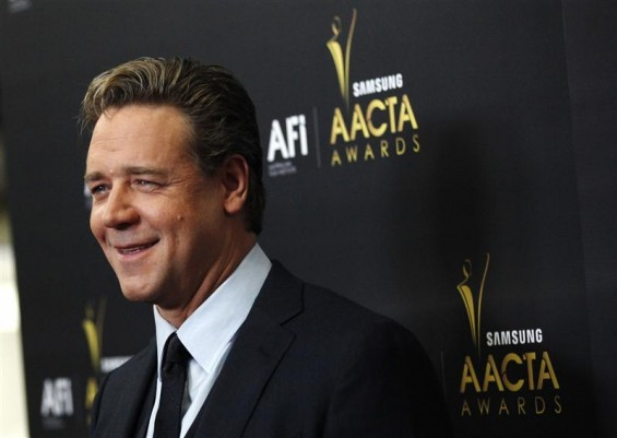 Actor Russell Crowe poses at the Australian Academy of Cinema and Television Arts Awards in West Hollywood, California January 27, 2012.