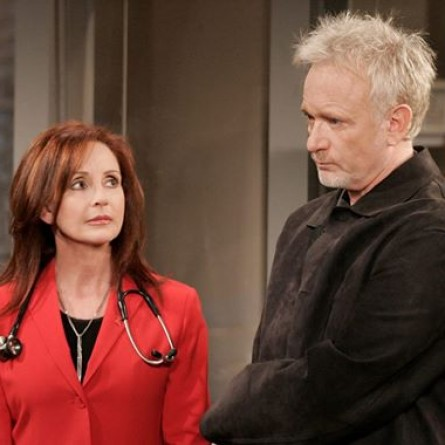 Bobbie & Tracy discover something alarming on the March 30, 2013 episode of 'General Hospital'