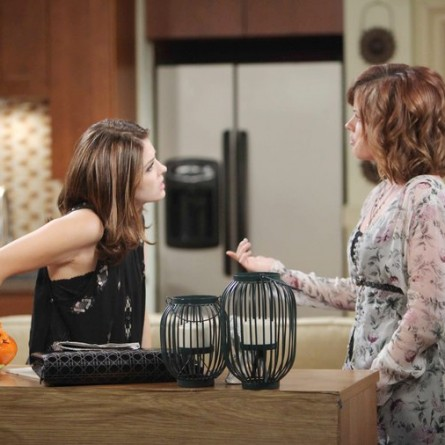 Melanie realizes how she can prove her theory about Theresa on the April 1, 2015 episode of 'Days of Our Lives'
