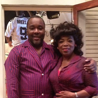 (Photo: Twitter/OprahWinfrey) Oprah poses with director Lee Daniels on the set of