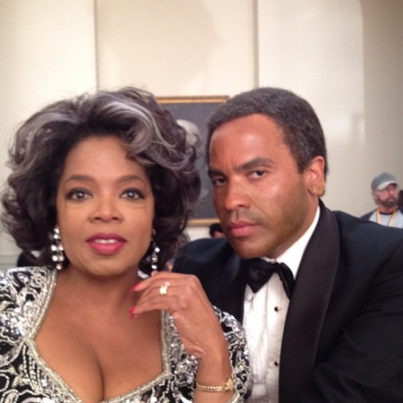 (Photo: Twitter/OprahWinfrey) Oprah poses with Lenny Kravitz on the set of