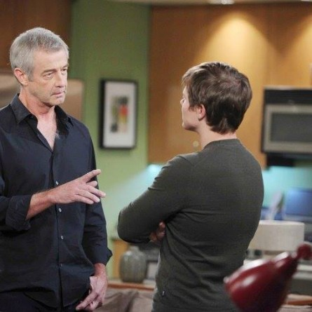 Despite several warnings, Will begins to investigate Clyde on the May 5, 2015 episode of 'Days of Our Lives'