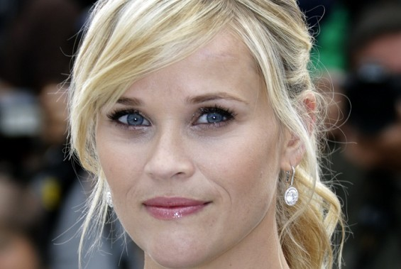 "Cast member Reese Witherspoon poses during a photocall for the film ""Mud"", in competition at the 65th Cannes Film Festival, May 26, 2012."
