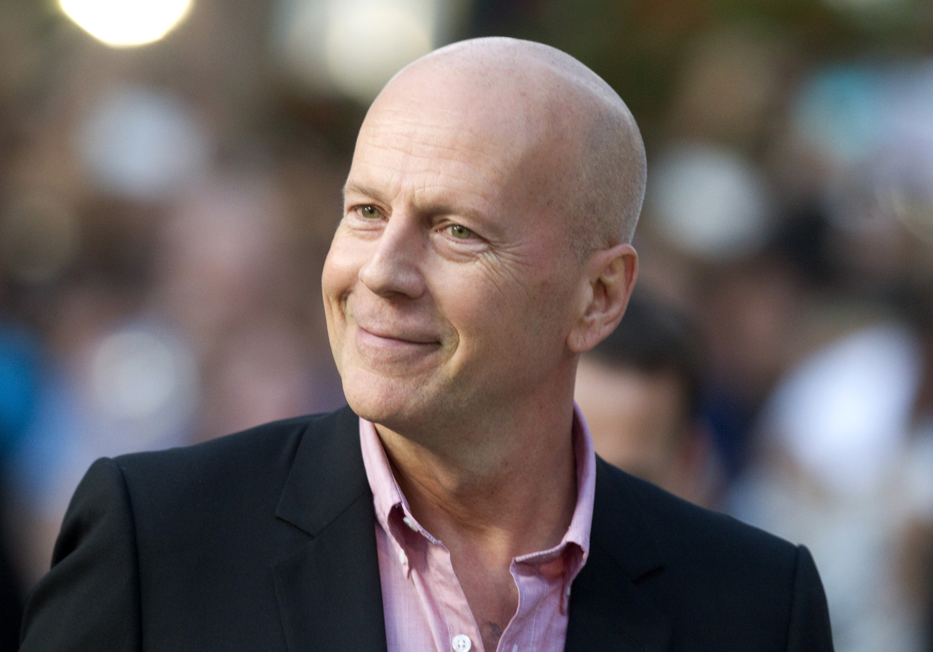 "Bruce Willis, Joseph Gordon-Levitt and ""Looper"" Win Big Overseas ... Bruce Willis"