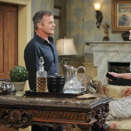 Justin presents Adrienne with divorce papers on the July 1, 2015 episode of 'Days of Our Lives'