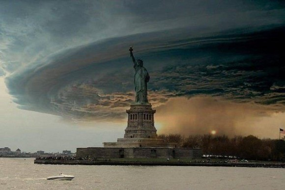 "Hurricane Sandy ""Frankenstorm"" Fake Photo"