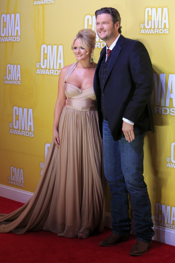 Miranda Lambert and Blake Shelton arrive at the 46th Country Music Association Awards in Nashville, Tennessee, November 1, 2012.