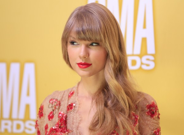 Singer Taylor Swift arrives at the 46th Country Music Association Awards