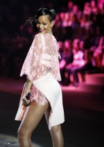 Singer Rihanna performs during the Victoria's Secret Fashion Show in New York November 7, 2012. R