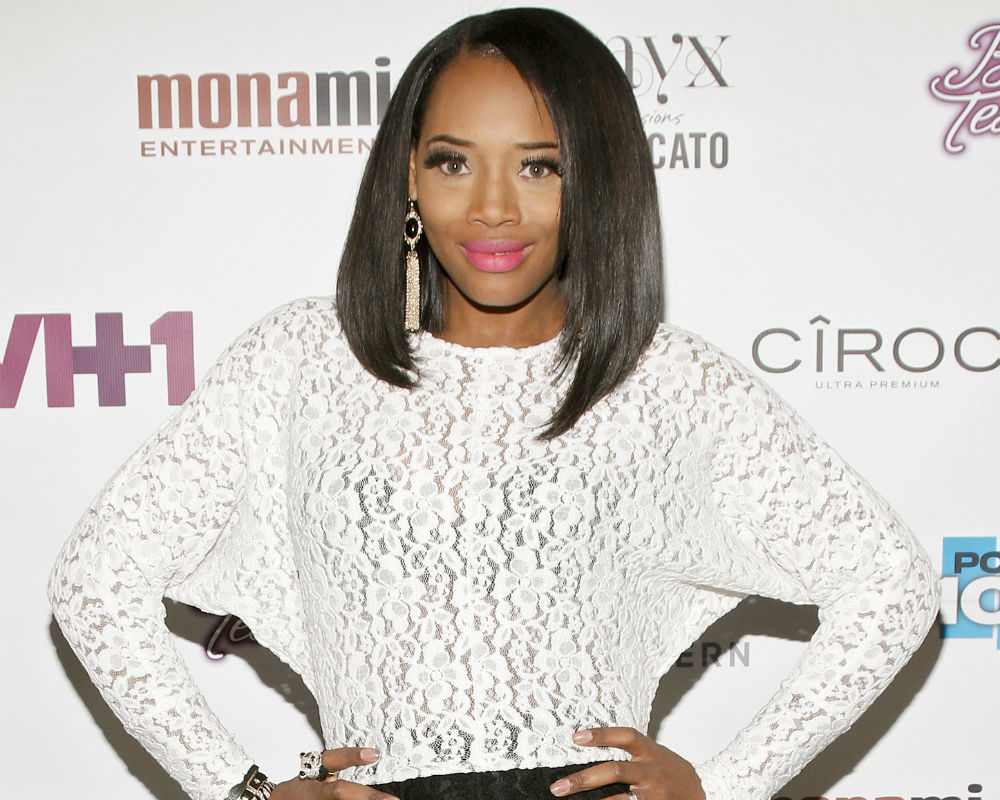 Yandy smith bio ethnic background -  Love And Hip Hop New York Season 6 How Yandy Smith Was Involved In That Huge Fight Between Rah Ali Mystery Woman Video Videos Enstarz
