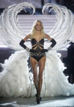 Lindsay Ellingson in the Silver Screen Angels section of the Victoria's Secret Fashion Show, which aired on CBS on Dec. 4.
