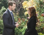 Brady reaches out to a distraught Theresa on the October 2, 2015 episode of 'Days of Our Lives'
