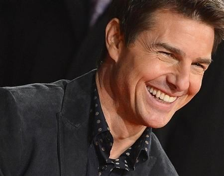 "U.S. actor Tom Cruise arrives for the world premiere of the film ""Jack Reacher"" in Leicester Square in central London December 10, 2012."