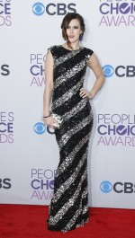 Actress Rumer Willis poses as she arrrives at the 2013 People's Choice Awards in Los Angeles, January 9, 2013.