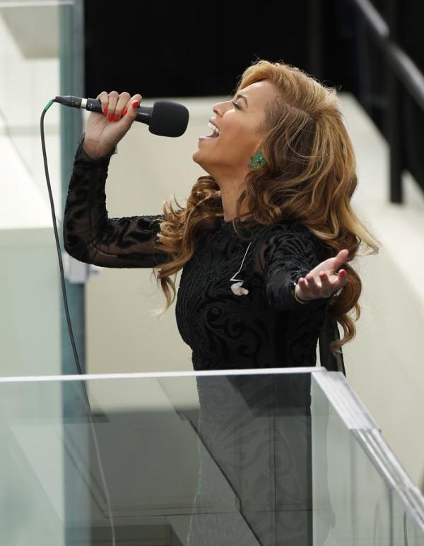 Beyonce Sings National Anthem at Obama Inauguration