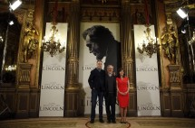"""Lincoln"" director Steven Spielberg (C) and cast members Daniel Day-Lewis and Sally Field pose during a photocall to promote the movie in Madrid January 16, 2013."
