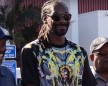 Snoop Dogg Gives Out Turkeys