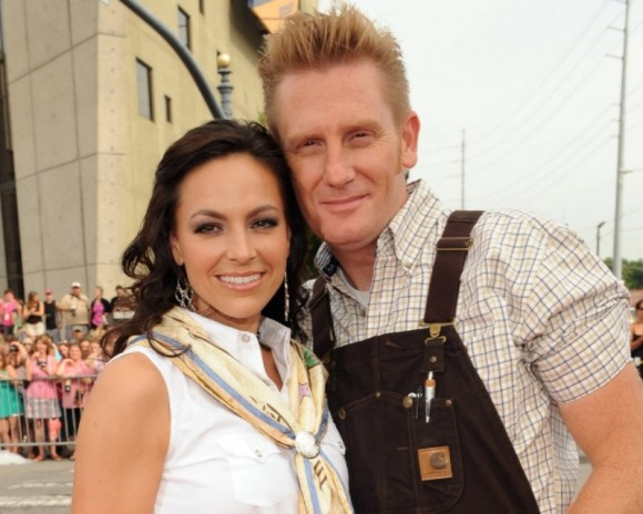 Country singer joey feek recovering from cancer surgery pictures to