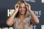 "Singer Beyonce attends HBO's New York premiere of her documentary ""Beyonce - Life is But a Dream"" in New York February 12, 2013."