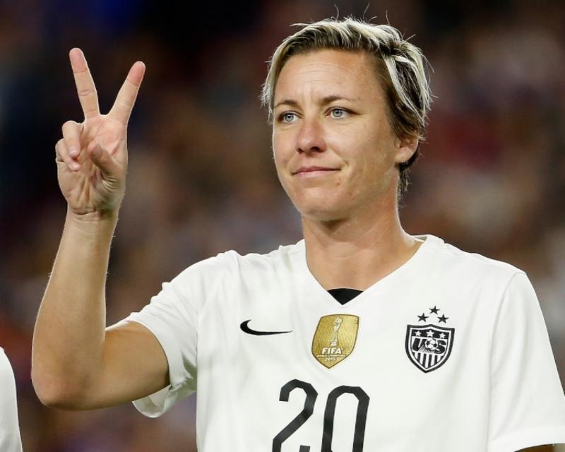 Abby Wambach Twitter: Soccer Player Announces Retirement ... Rolling Soccer Ball