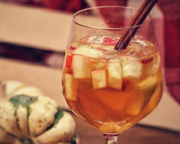 Tasty Drinks 2015: This Apple Cinnamon Sangria Is Perfect For Any ...