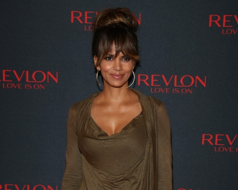 Halle Berry at the World Premiere of Catwoman. Photo © Rebecca Murray