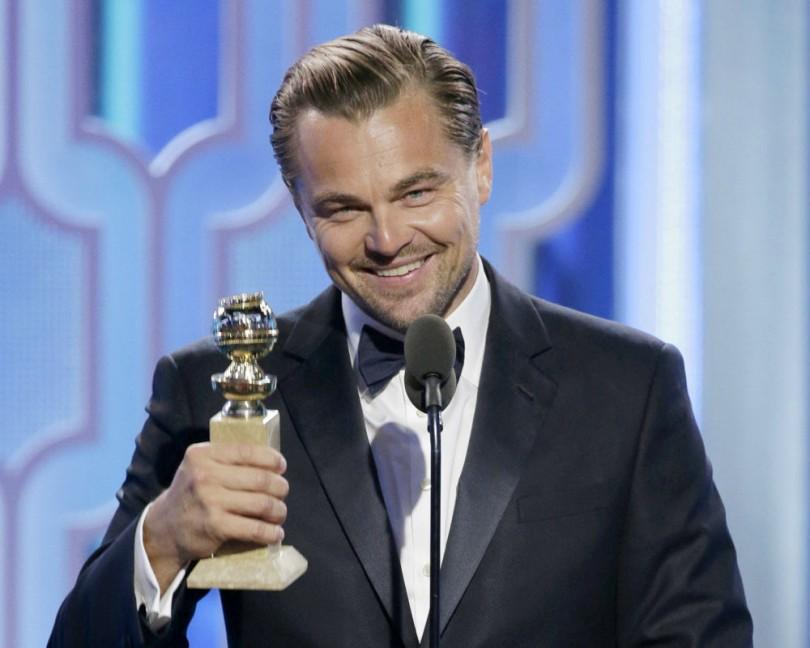 Leonardo DiCaprio kissing Nina Agdal in New York