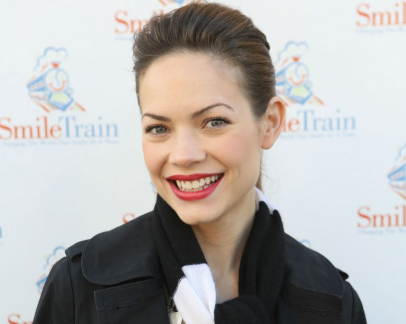 Rebecca Herbst new contract