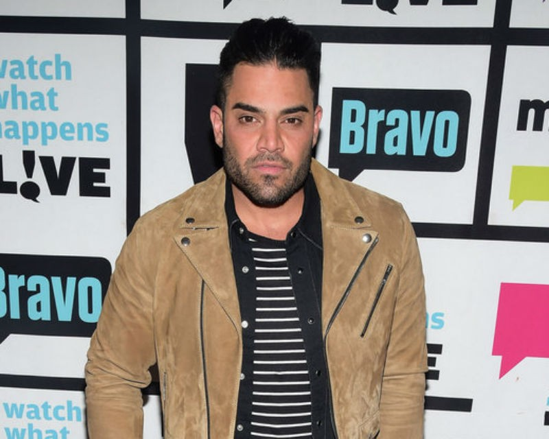 how tall is mike shouhed