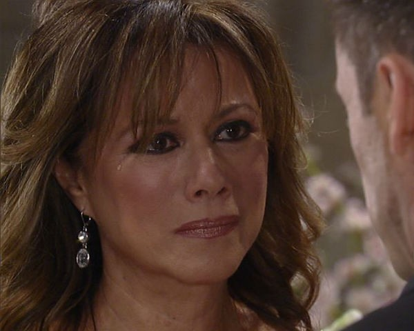 Alexis confesses and potentially finds a new ally in Julian on the January 10, 2017 episode of 'General Hospital'