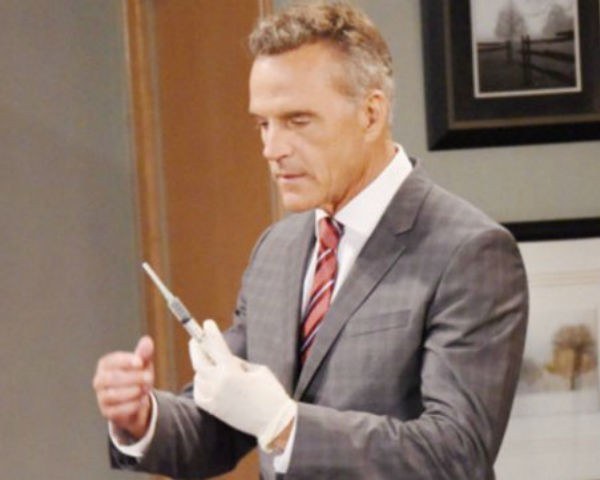 The staff at General Hospital prepares for the closure from Paul's run as a killer on the September 21, 2016 episode of 'General Hospital'