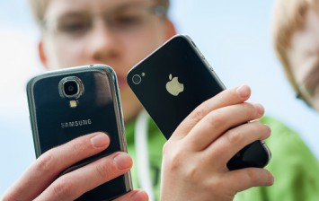 Apple iPhone and Samsung Galaxy