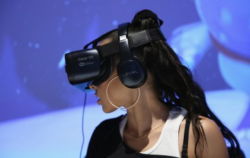 Samsung AR and VR Headset