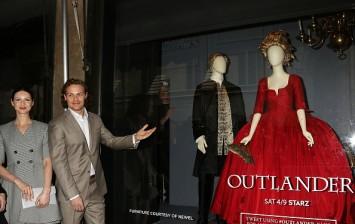 Caitriona Balfe and Sam Heughan in 'Outlander' Season 3