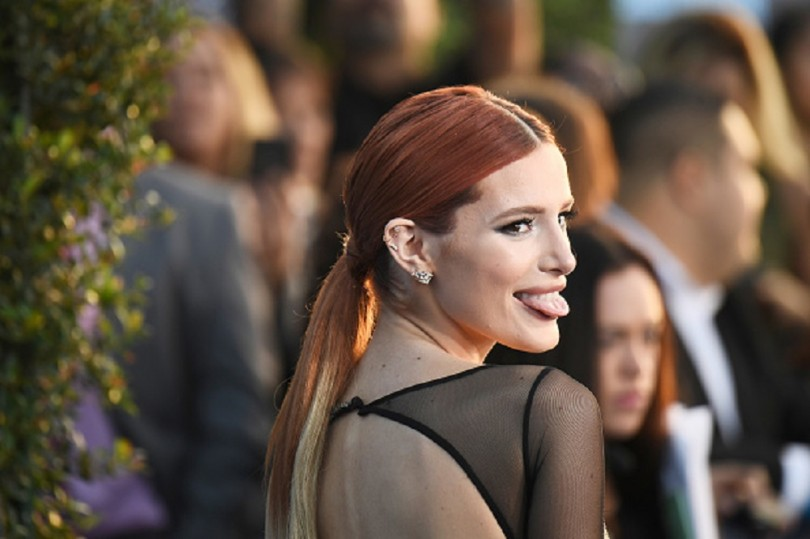 See Bella Thorne's Dramatic Black and Blue Hair Transformation