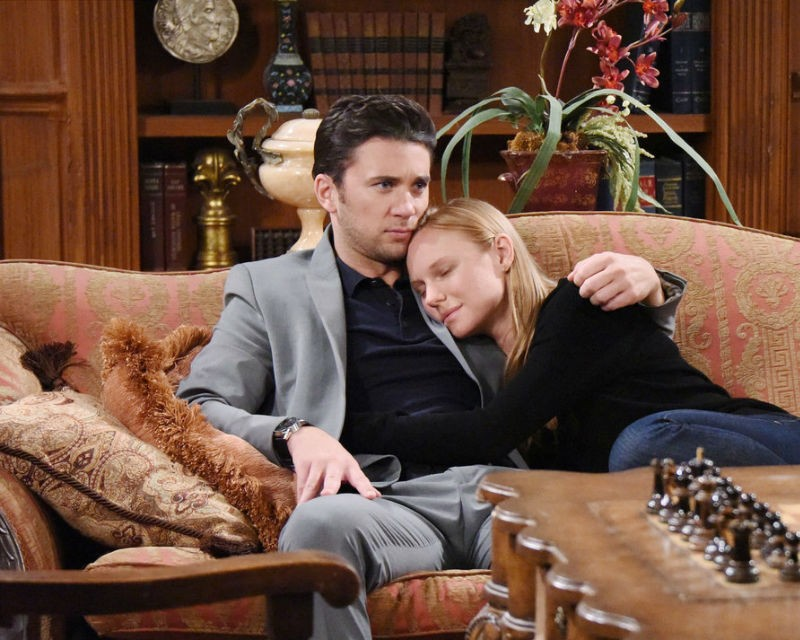 After deciding to give things a try, Chad and Abigail make a genuine attempt to reconnect as husband and wife on the January 10, 2016 episode of 'Days of Our Lives'