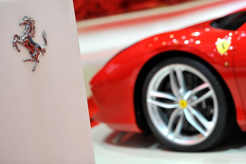 Ferrari 812 Superfast Unveiled Ahead Of Geneva Debut