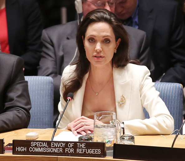 Angelina Jolie Stands Firm; Marion Cotillard Not Reason For Split-Up With Brad Pitt But Discredited Sites Still Peddle The Rumors
