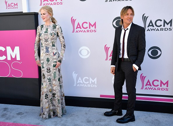 Nicole Kidman (L) and Keith Urban