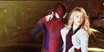 Andrew Garfield and Emma Stone in 'The Amazing Spider-Man 2.' This outfit has sparked speculation that Gwen would die in the film