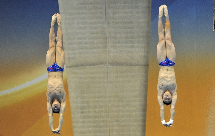 Team China wins the gold medal for men's 10-meter synchronized diving