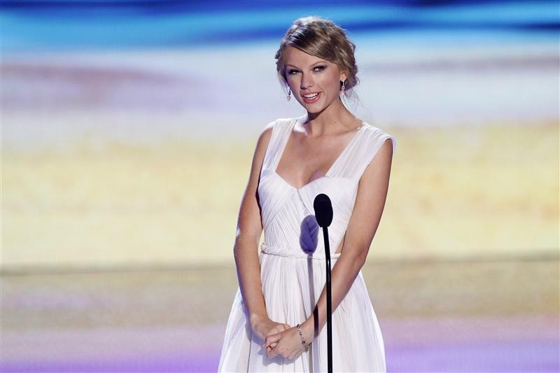 Singer Taylor Swift speaks on stage at the Teen Choice Awards at the Gibson amphitheater in Universal City, California July 22, 2012.