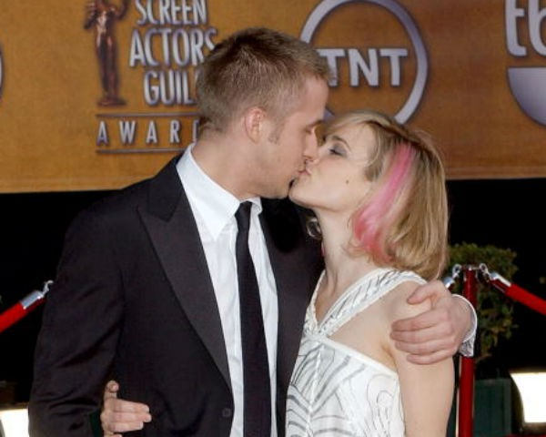 Rachel mcadams and ryan gosling dating news. dating online about me samples for female.