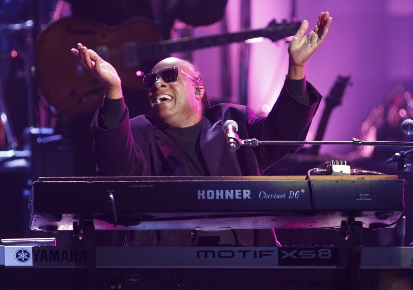 Stevie Wonder performs during a tribute to Dick Clark at the 40th American Music Awards in Los Angeles, California, November 18, 2012.