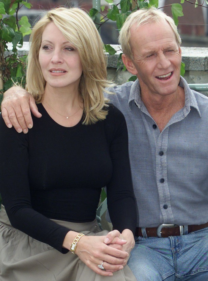 PAUL HOGAN AND HIS WIFE LINDA KOZLOWSKI IN LONDON TO PROMOTE THEIR NEW FILM CROCODALE DUNDEE IN LA.
