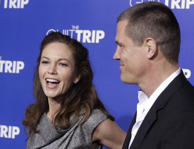 "Actor Josh Brolin and wife actress Diane Lane pose as they arrive for the premiere of the new film ""The Guilt Trip"" starring Barbra Streisand and Seth Rogen in Los Angeles December 11, 2012."
