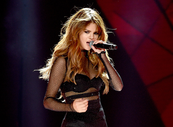 Selena Gomez Reunites With Wizards Of Waverly Place Co-Star David Henrie; Pop Princess Talks 2016 Lessons On Instagram [Video] : Celebrities : Enstarz